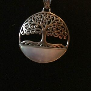 Jewelry - Tree is life necklace